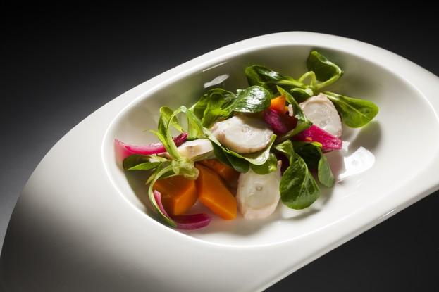Ресторан «Una», Санкт-Петербург: Теплый салат с осьминогом и тыквой.