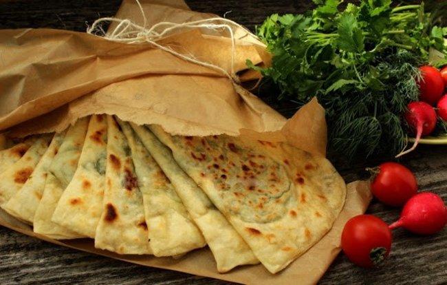Мамаlыgа: Кутабы с сыром и с зеленью