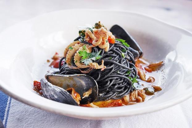 Ресторан «Jamie's Italian», Санкт-Петербург: Черная паста с мидими и кальмарами