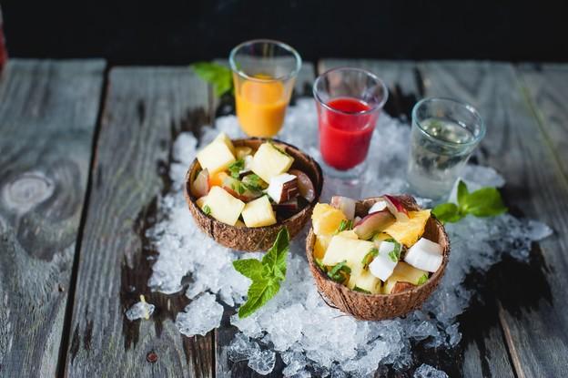 Ресторан «Пряности & радости», Санкт-Петербург: Фруктовый салат в кокосе