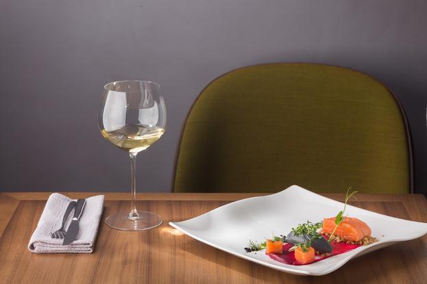 Ресторан «Una», Санкт-Петербург: Лакс со сливочным муссом с чернилами каракатицы