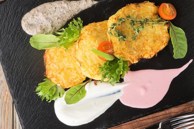 Ресторан «Антоновка», Санкт-Петербург: Картофельные драники с грибным соусом
