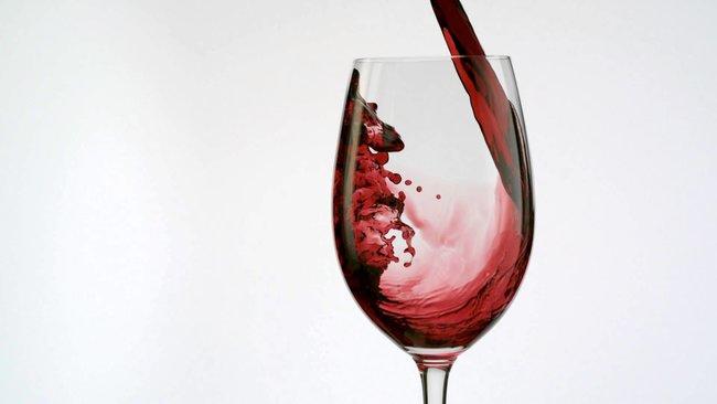 Соседи: Вино в подарок