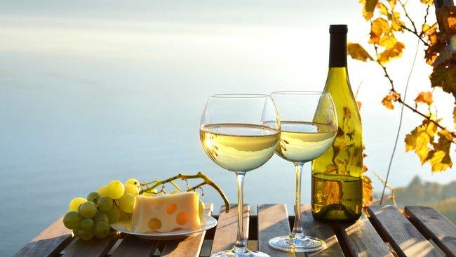 Mze (Ресторан Солнца): Бутылка вина в подарок